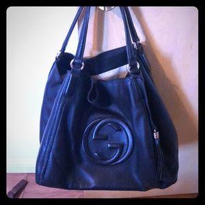 Gucci classic leather shoulder bag